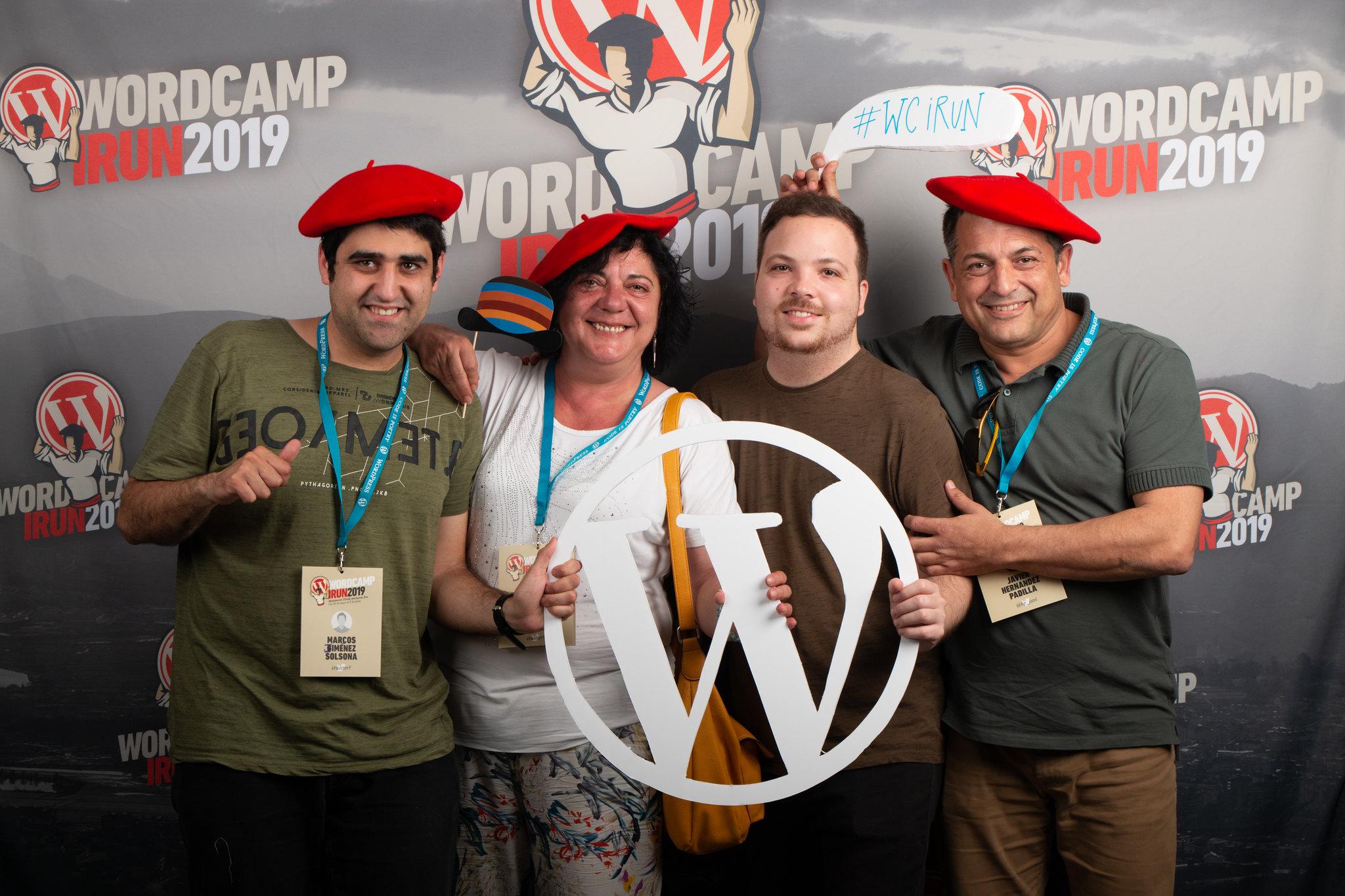 El equipo de Estudio Inclusivo en la Wordcamp 2019 de Irún