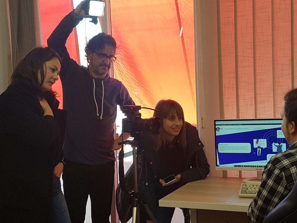 El equipo de comunicación de Labora entrevistando a Miquel, nuestro diseñador.