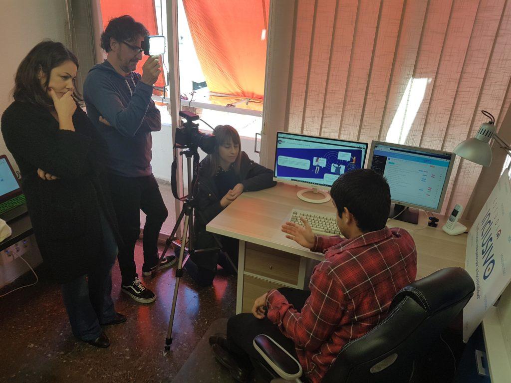 El equipo de comunicación de Labora entrevistando a Marcos, socio co-fundador.